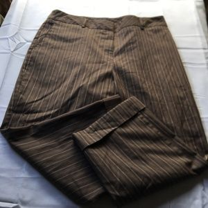 Van Heusen Crop Size 16 Plus Item L14